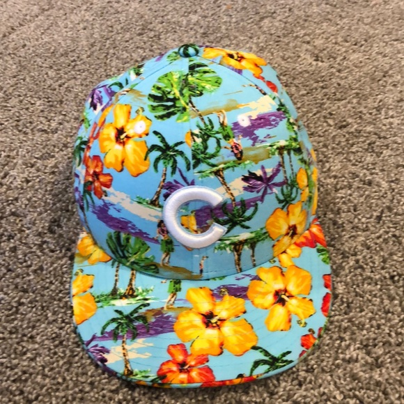 a702fe94 New Era Hawaiian Print Cubs hat. M_5c9954a20cb5aa329427c199